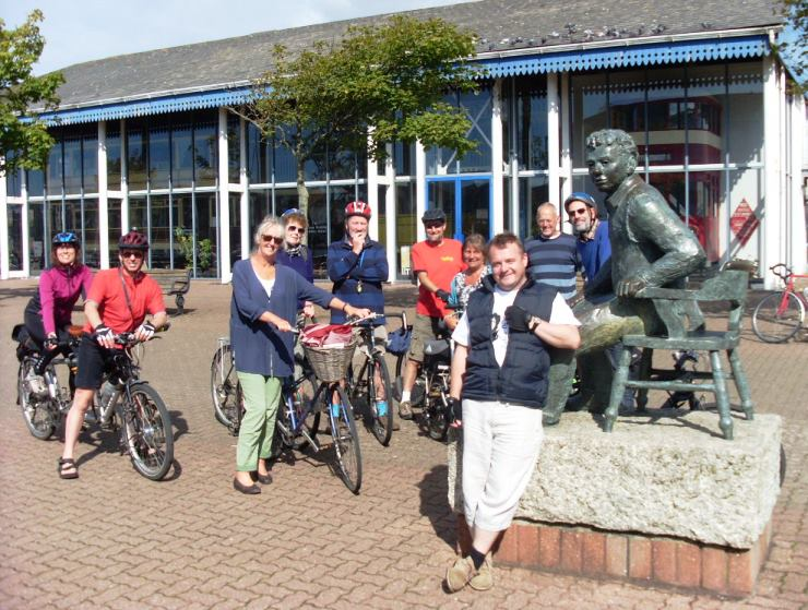 Dylan Thomas Trail riders meet the poet.